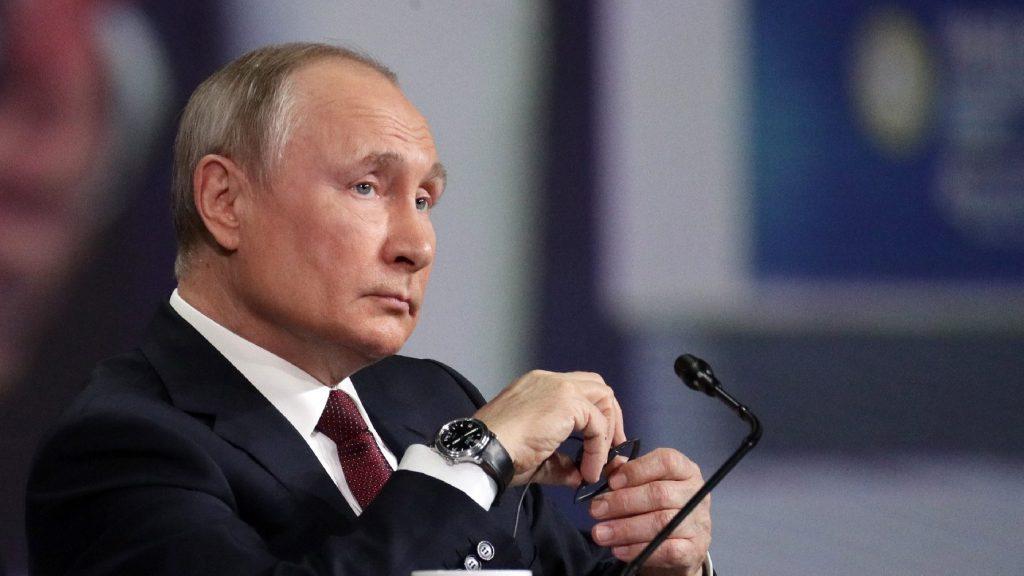 Putyin nem szavatolja, hogy Navalnij élve kikerül