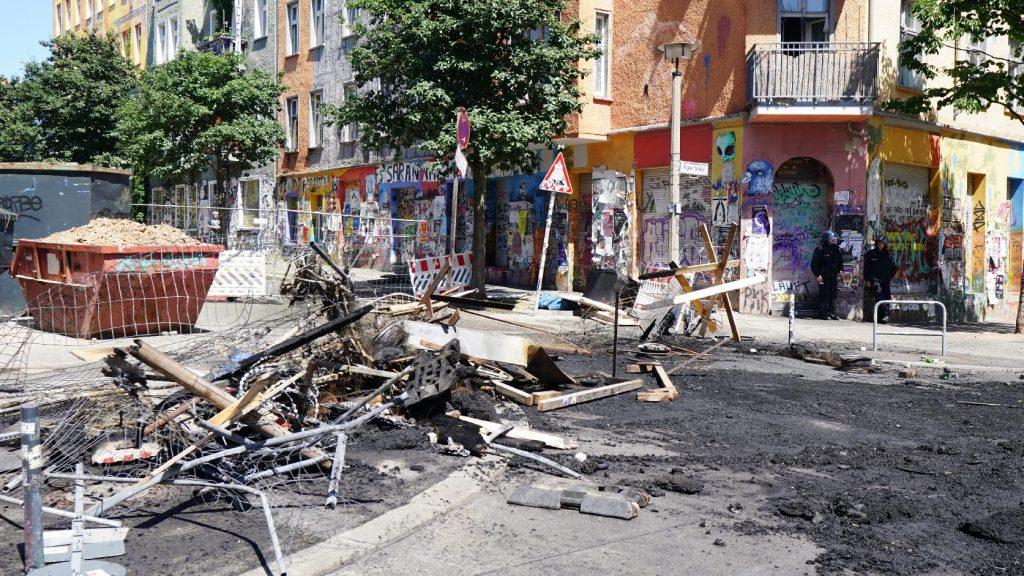 Szélsőbaloldali házfoglaló aktivisták támadtak rendőrökre Berlinben