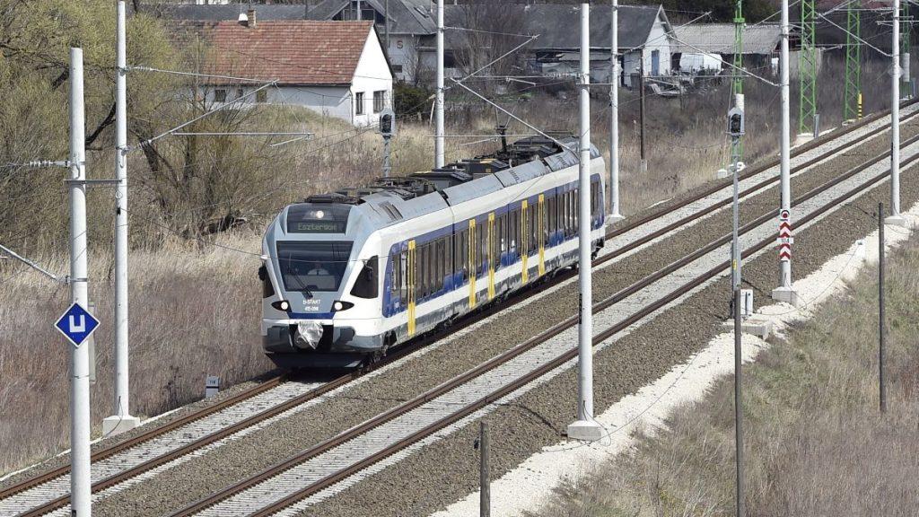 Nem a Nyugati pályaudvarra érkeznek az esztergomi vonatok