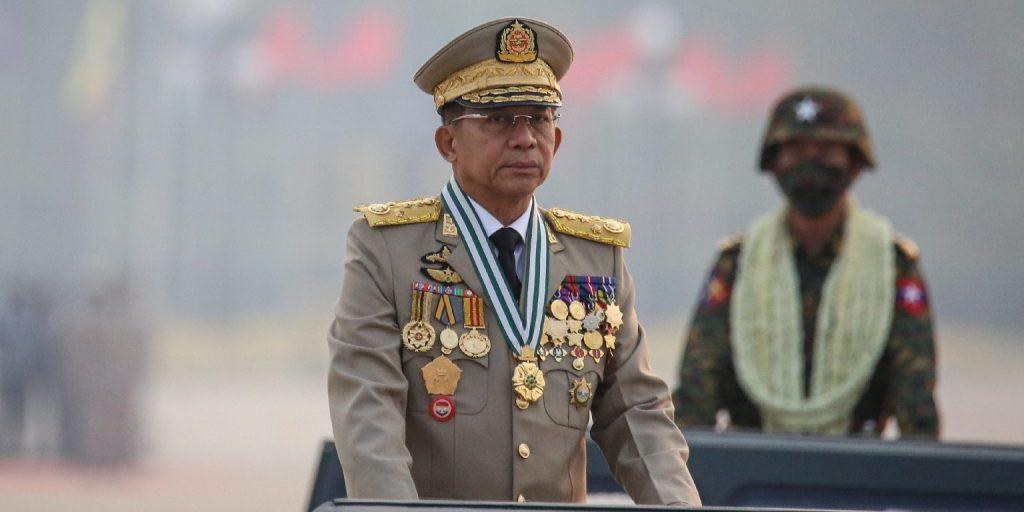 Moszkvába utazott a mianmari junta vezetője