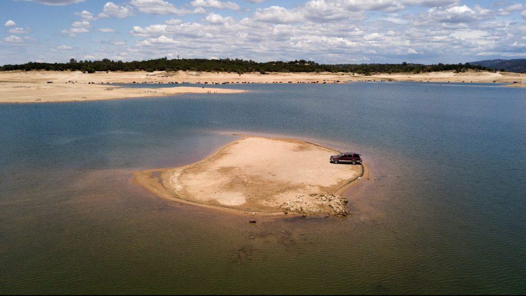 Évtizedek óta eltűnt repülőgép bukkanhatott elő a kiszáradt tóból