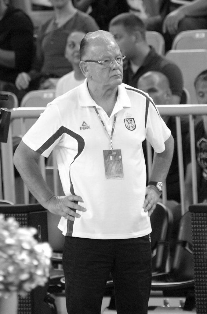 Tüdőbajban hunyt el a legendás szerb–jugoszláv kosárlabdaedző