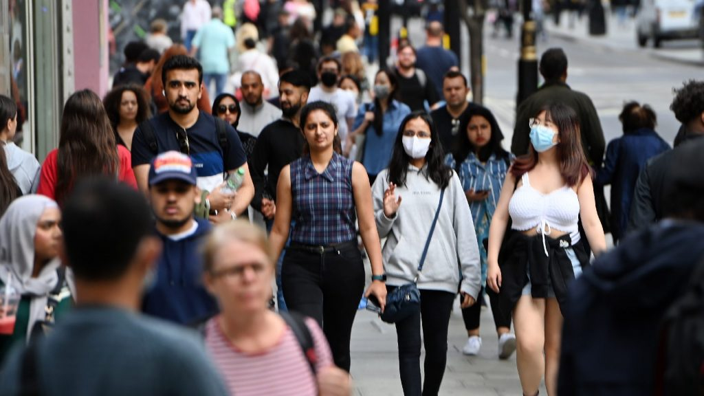 A hét és félmilliót is átlépte a fertőzöttek száma az Egyesült Királyságban