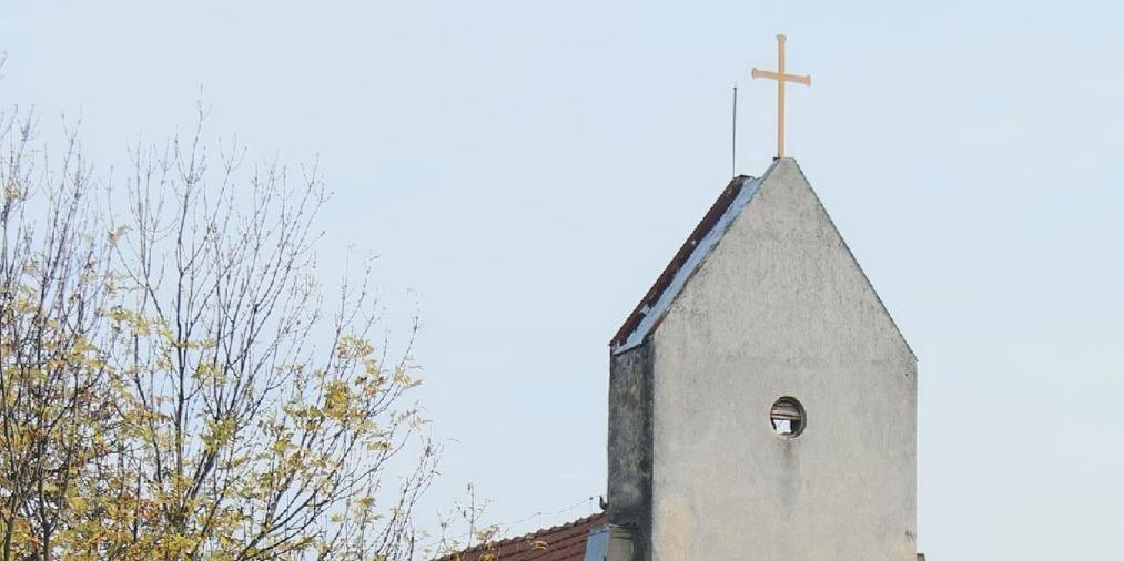 Felújították a klárafalvi Szent Kereszt-templomot
