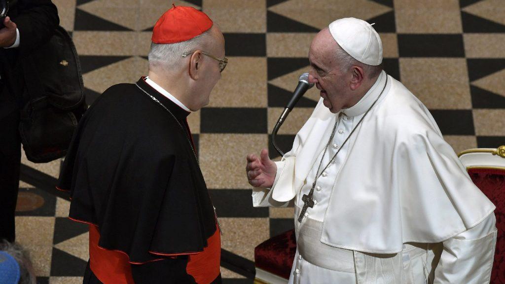 Ferenc pápa köszönetet mondott Erdő Péternek a Vatikánban