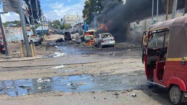 Öngyilkos merényletet követtek el a szomáliai fővárosban, többen meghaltak