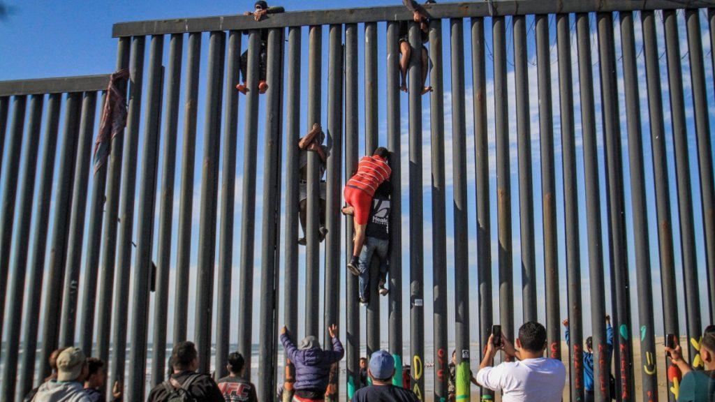 Szinte minden bűnelkövető illegális bevándorlónak amnesztiát kínálnának a demokraták