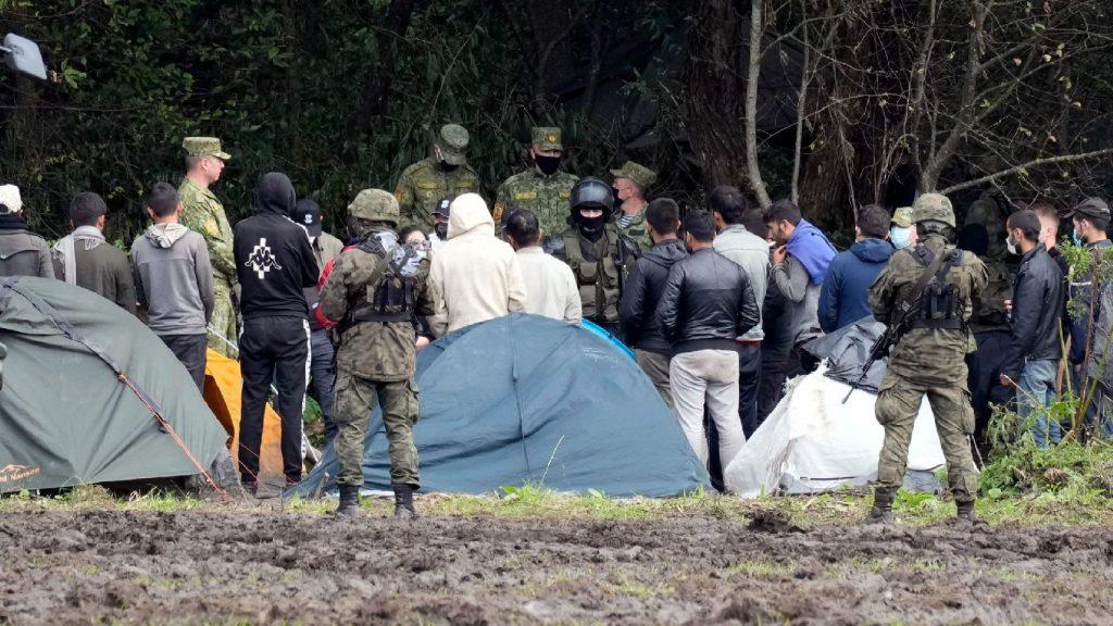 Özönlenek a migránsok Németországba