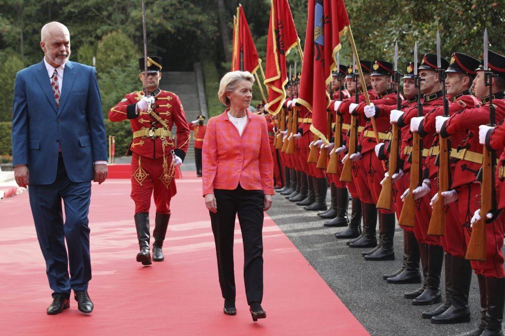 Albánia az uniós csatlakozás kapujában