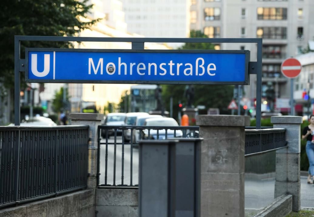 Elkezdődött: tömegével írják át az utcaneveket Németországban
