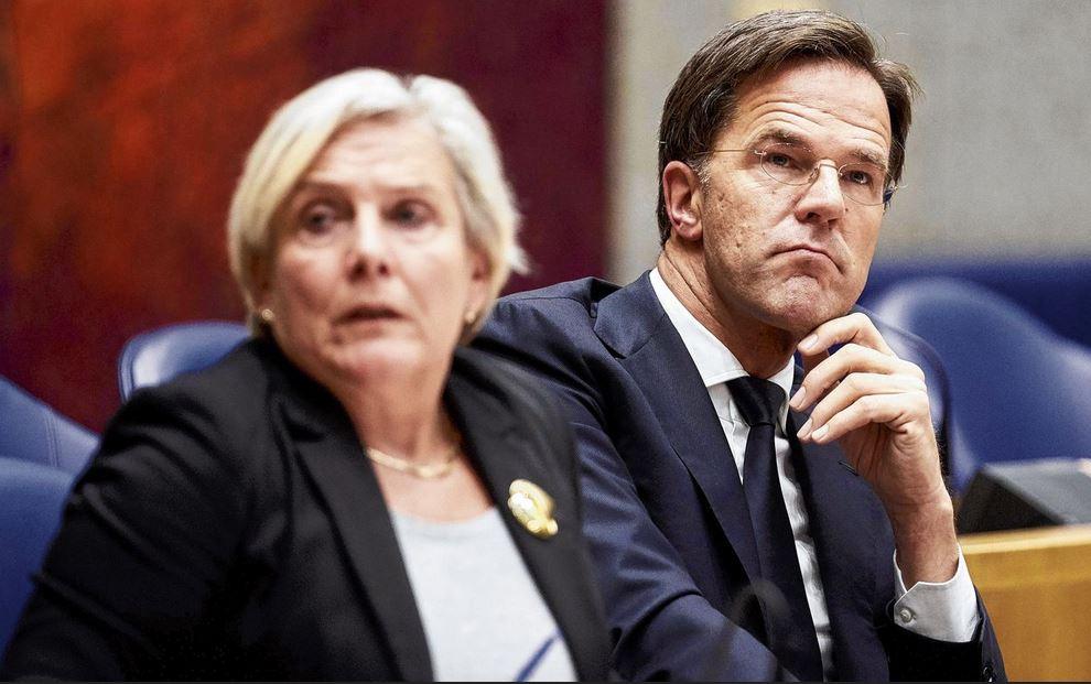 Fogyatkozik Mark Rutte kormánya