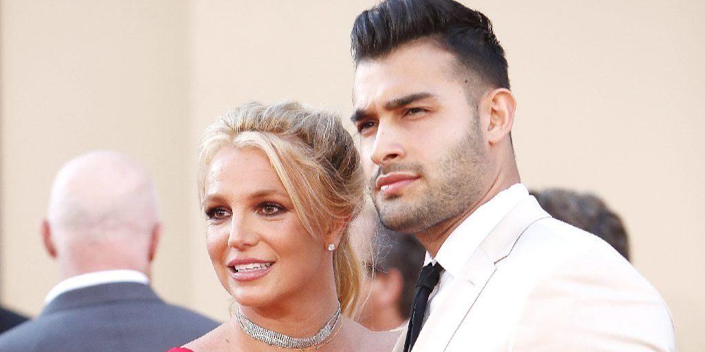 Britney Spears vőlegénye egészen Mel Gibsonig lobbizta magát