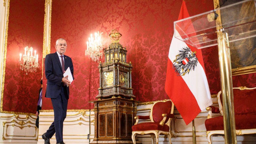 Háromszáz szerencsés a bécsi Hofburgban veheti fel oltását