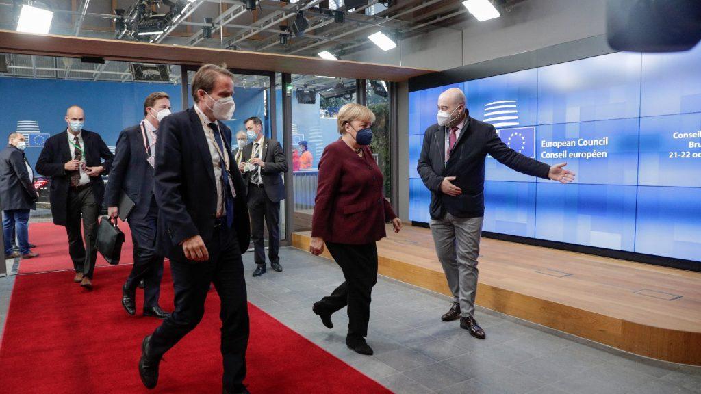 Orbán Balázs: Néhány brüsszeli bürokrata fejében már lekapcsolták a villanyt