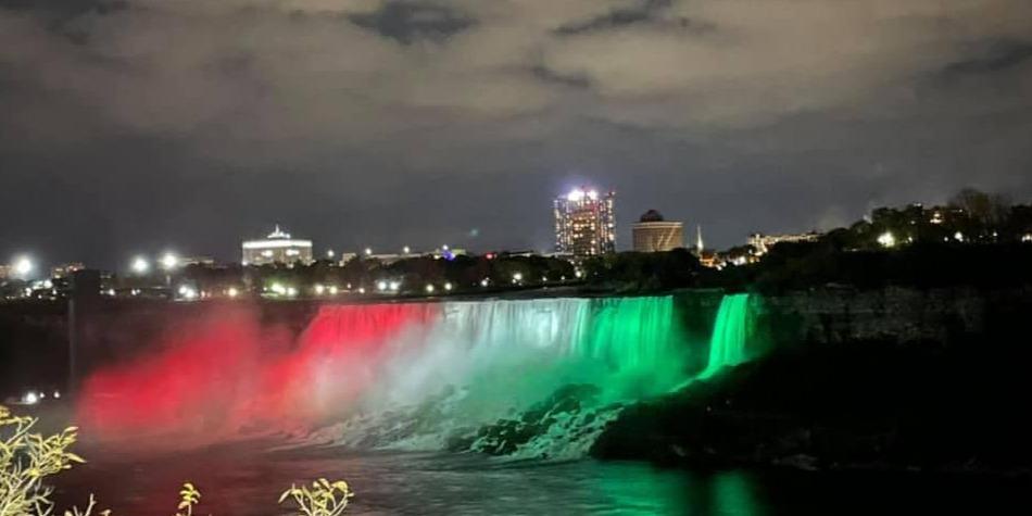 Magyar nemzeti színekbe öltözött a Niagara-vízesés - VIDEÓ