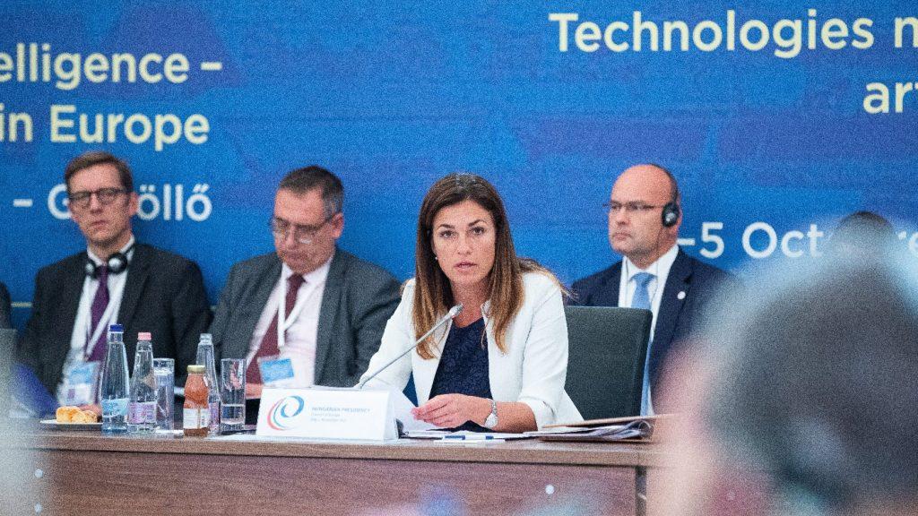 Varga Judit: Egyetlen állam sem tud egyedül megküzdeni a digitalizáció kihívásaival