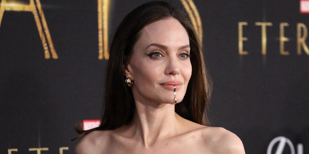 Angelina Jolie és Brad Pitt 15 éves lánya tündökölt a premieren