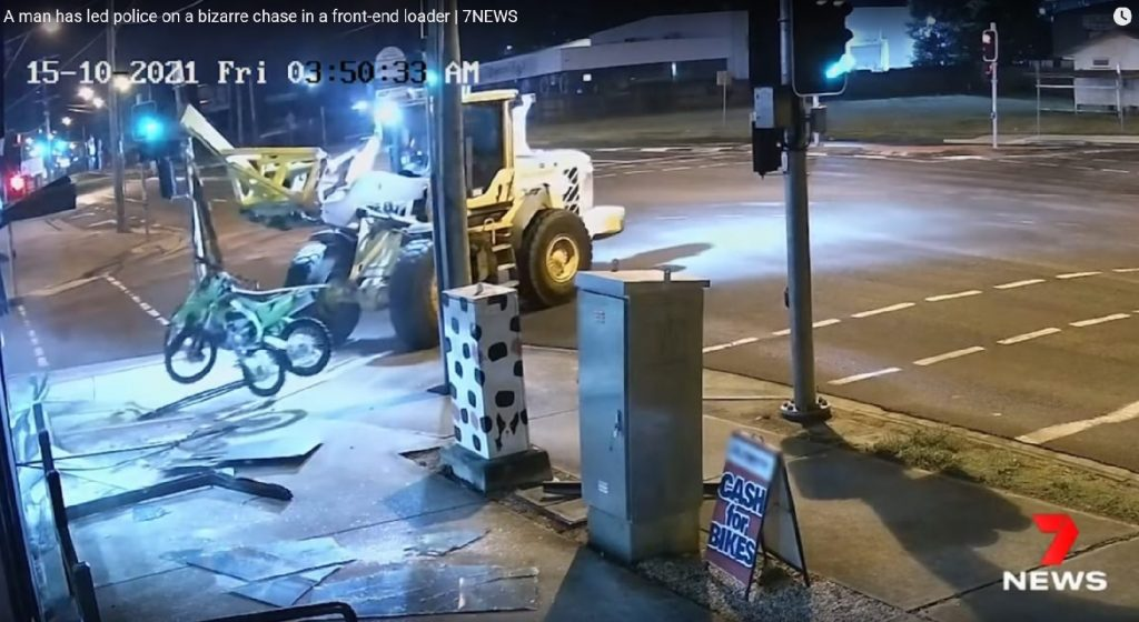 Villás targoncával menekült a rendőrök elől a motortolvaj